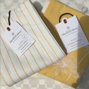 2 pr Hearth and Hand w/ Magnolia Towels